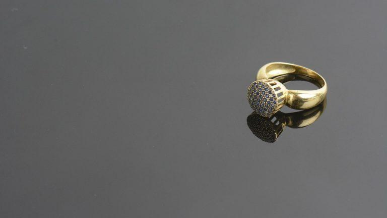 Pourquoi opter pour des bijoux en acier ?