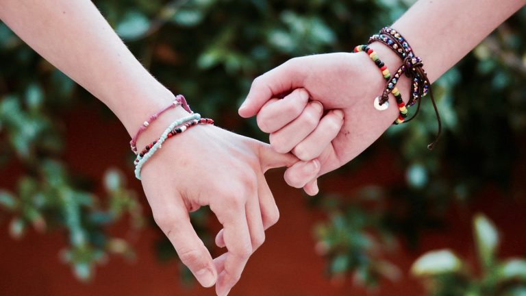 Comment personnaliser son bracelet ?