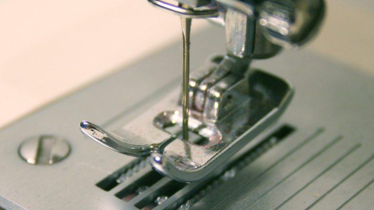 Comment choisir une machine à coudre pour femme ?